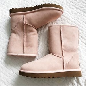 Shoes - Pink Uggs